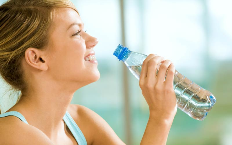Coolakut-Sonnenbrand-Hilfe-Trinken